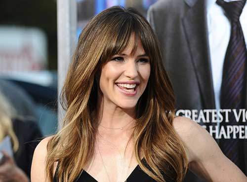 Jennifer Garner Hairstyle with Thin Bangs