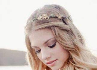 Chic Beach Wedding Hairstyle