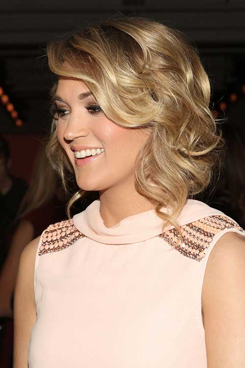 Carrie Underwood Cute Hairdo for Medium Length Hair