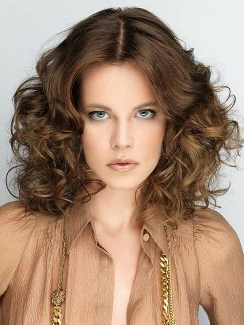 Funky Shoulder Length Hairstyles for Women