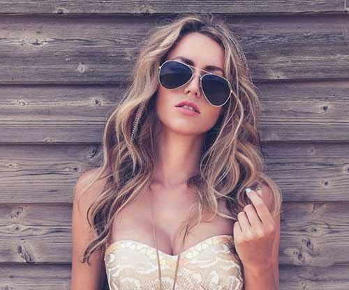 Glossy Wavy Hair Style Color Ideas