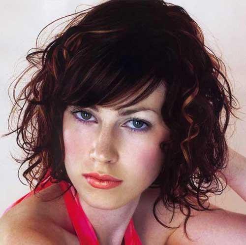 Trendy Hair Styles for Medium Length
