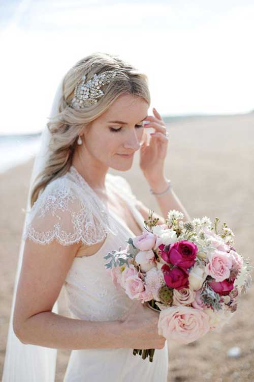 Best Oldie Style Wedding Half Up Hair