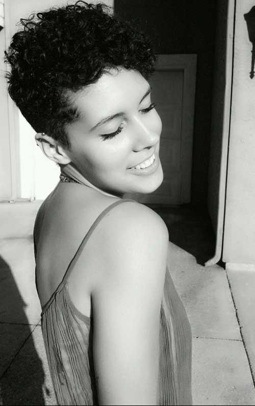 Pixie Haircuts for Curly Hair Women