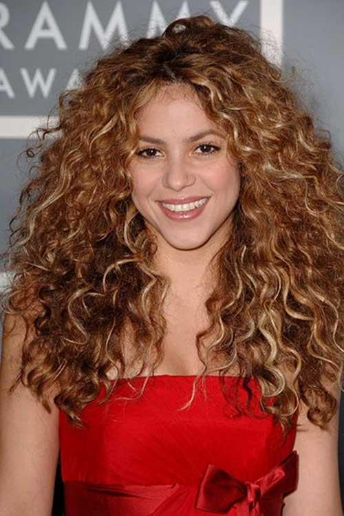 Shakira Curly Hairstyle
