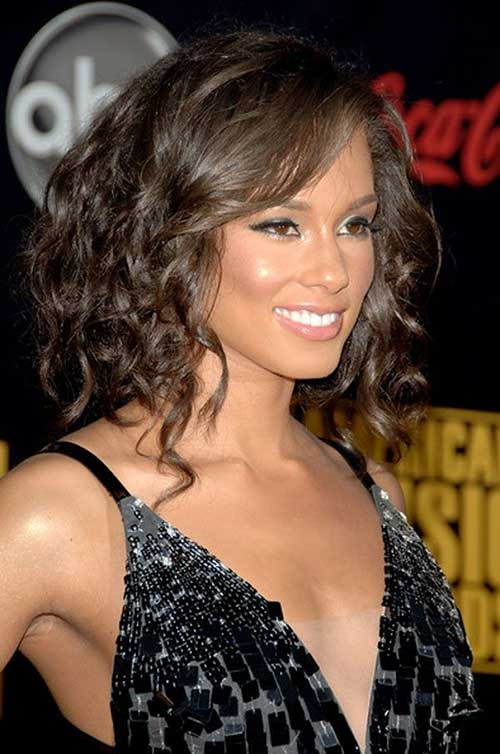 mid length wavy hair styles 20 haircuts for medium curly hair hairstyles 6956