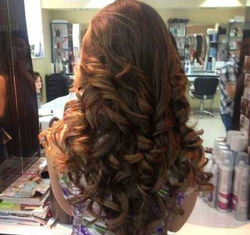 30+ Cute Long Curly Hairstyles