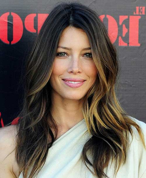 20+ Best Long Hairstyles for Round Faces