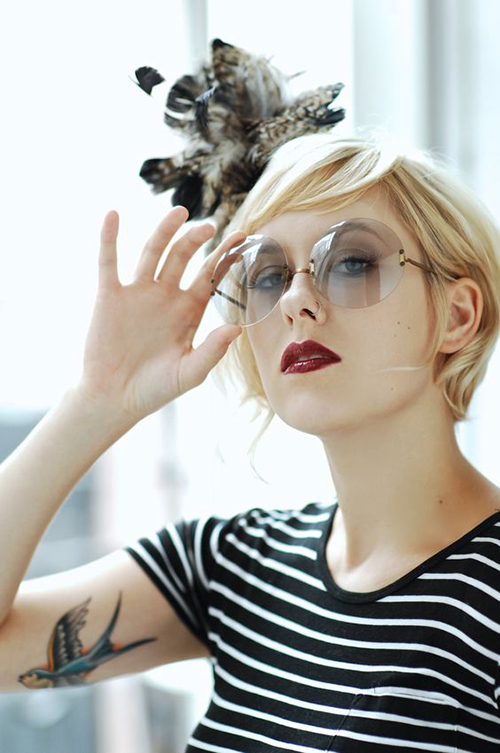 Hairstyles for Women with Glasses-8