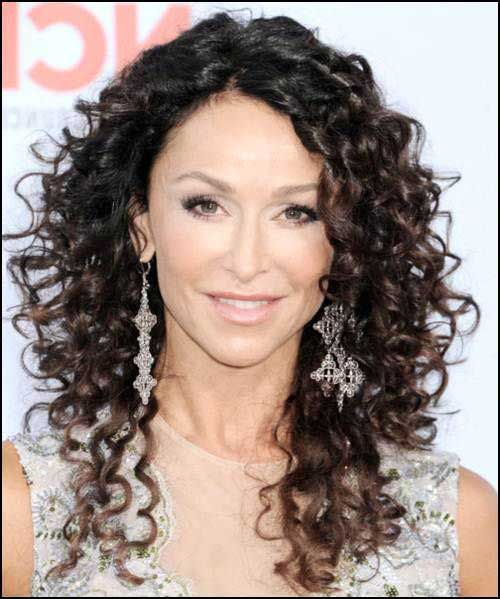 Long Curly Hairstyles-16