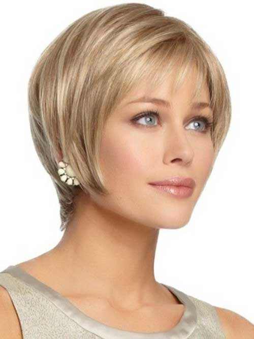 Best Short Haircut for Women with Oval Face