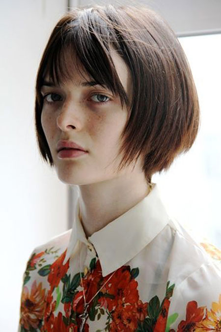20 Chic Short Hair Ideas With Straight Bangs Hairstyles
