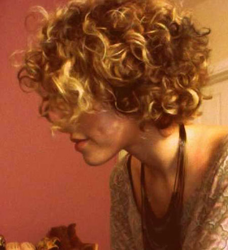 Short Curly Haircuts for Women - 13