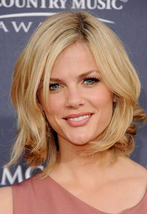 2015 Shoulder Length Hairstyles for Women Over 40