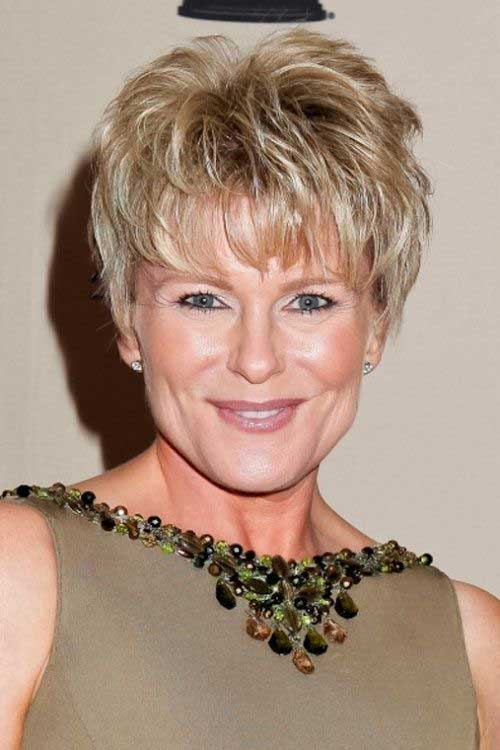 2016 Classy Short Hairstyles for Older Women