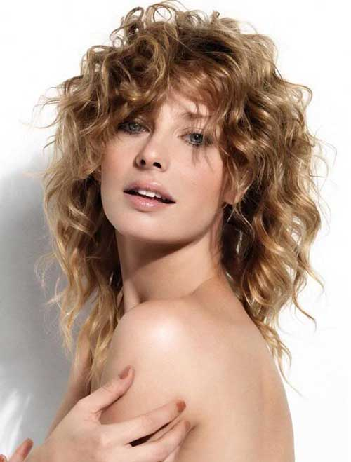 Best Medium Curly Layered Hairstyles