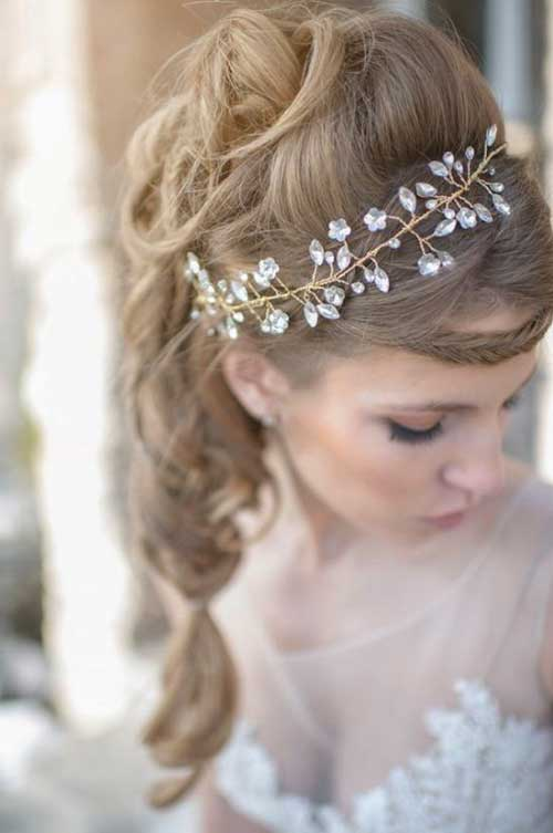 Best Winter Wedding Hair Accessories