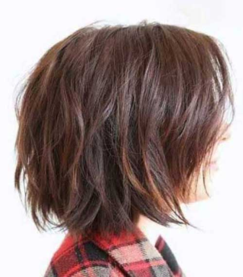 Best Haircuts for Women Over 40-11