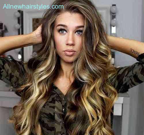 Long Wavy Haircuts-11