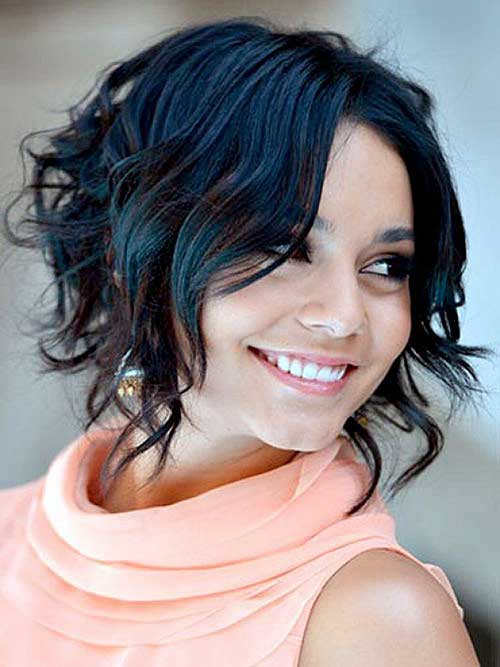 Layered Hairstyles for Round Faces-15