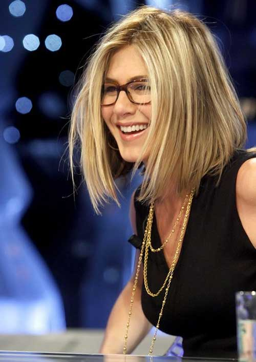 Best Haircuts for Women Over 40-17