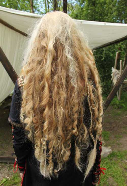 Girls with Long Curly Hair-22