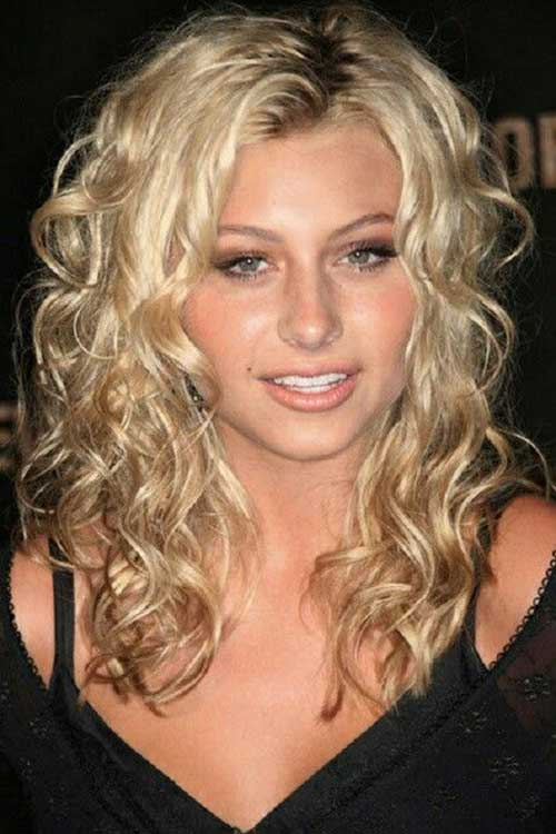 Long Curly Hairstyles for Round Faces-12
