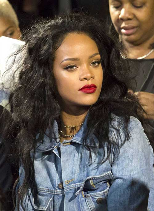 Rihanna Long Curly Hair-12