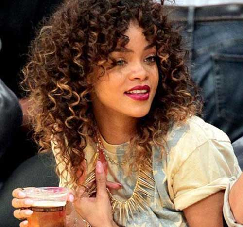 Rihanna Long Curly Hair-14