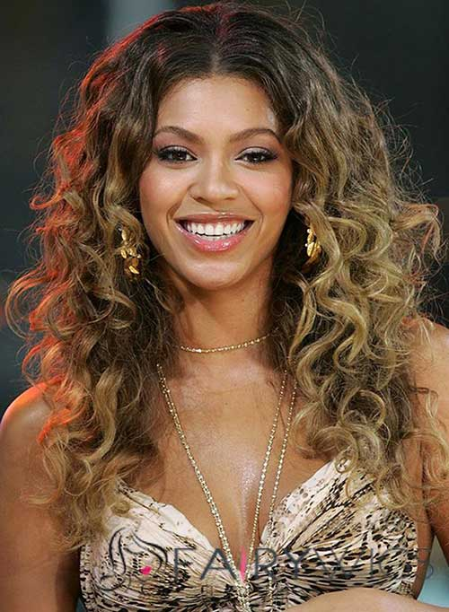 Curly Hair Styles for Women-15