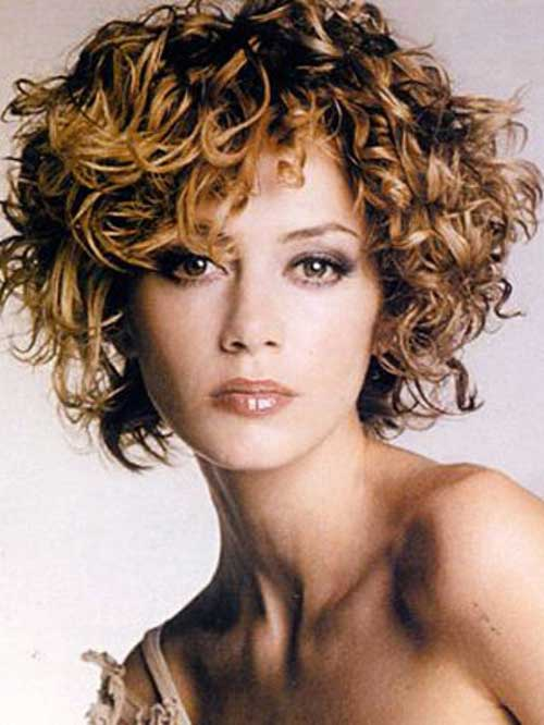 Curly Hair Styles for Women-16