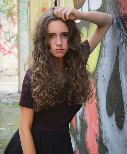 Curly Hair Styles for Women-22