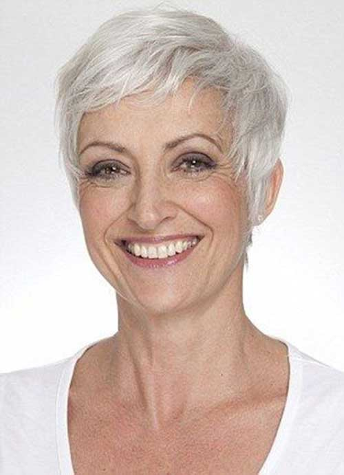 Haircuts for Older Ladies-23