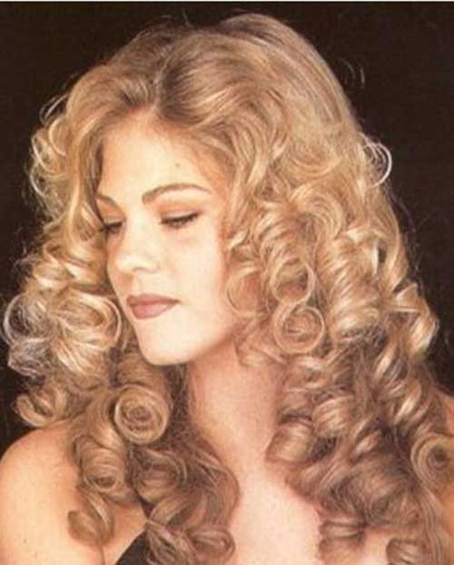 Curly Hair Styles for Women-8