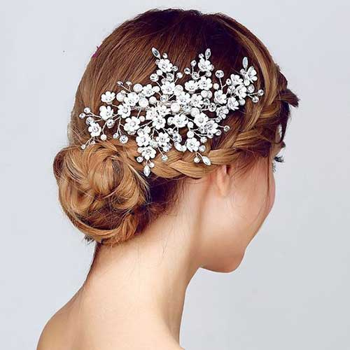 Hairstyles with Accessories-9