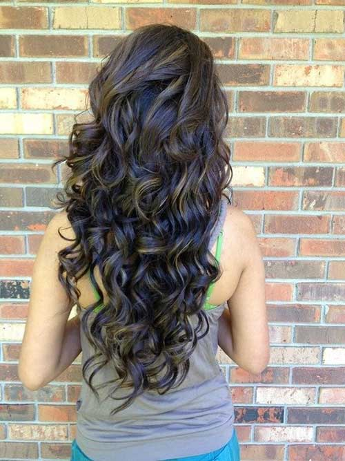 Ladies with Curly Hairstyles