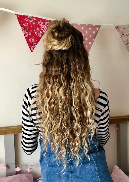 Balyage Curly Hair Natural Naturally Curly Hair Blonde, Curls, Long Hair
