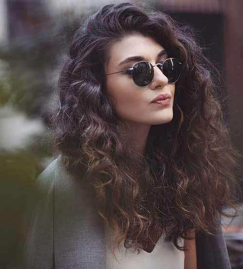 frizzy hair styles totally chic and beautiful curly hairstyles hairstyles 4332