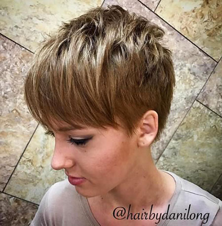 Pixie Short Layered 50