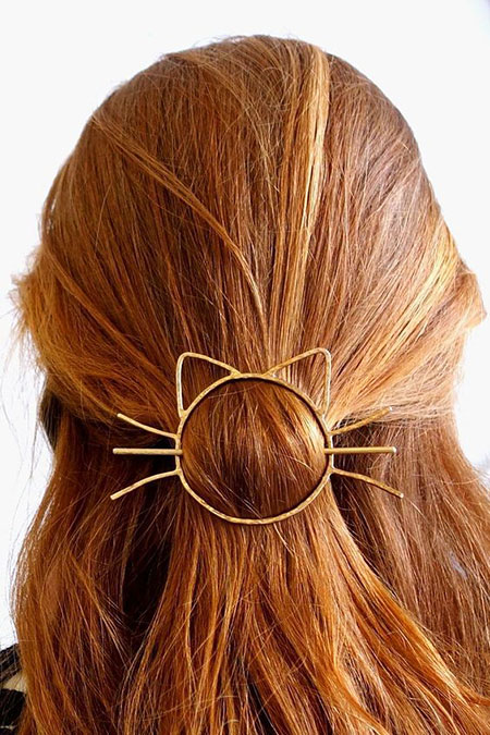 Hair Pin Cat Bun