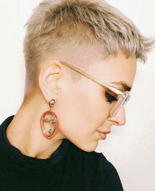 Short Pixie Haircuts for Women-13