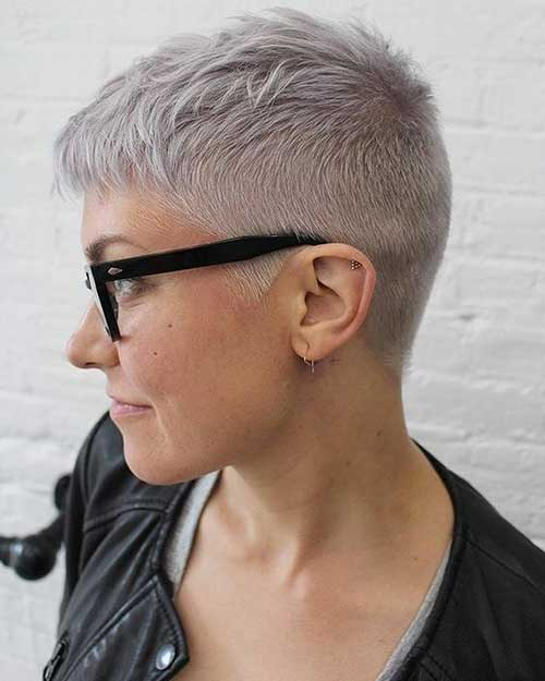 Short Pixie Haircuts for Women-9