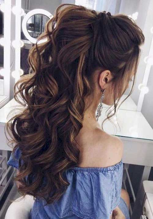 Long Curly Hairstyles for Women-16