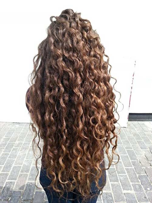 Long Curly Hairstyles for Women-17