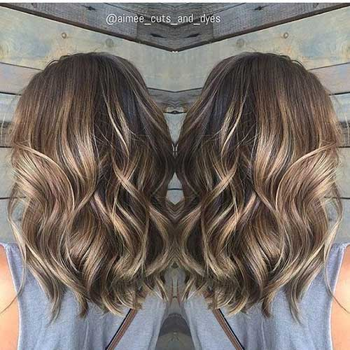 Wavy Hair Blonde Highlights-11