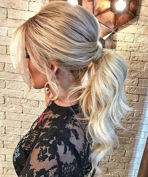 Simple Ponytail Hairstyles For Chic Women