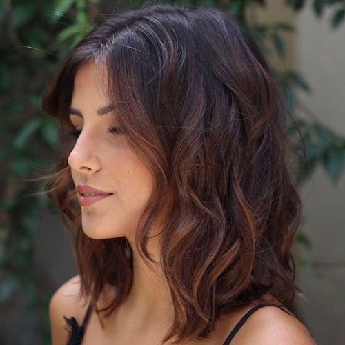 Cute Medium Length Wavy Hairstyles-10