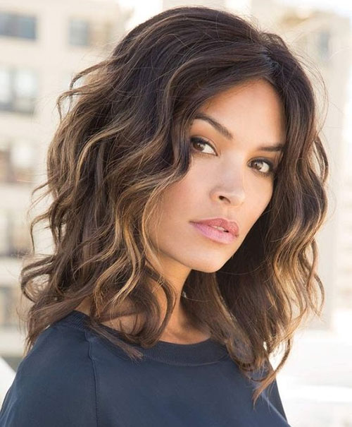 Layered Medium Length Wavy Hairstyles-11