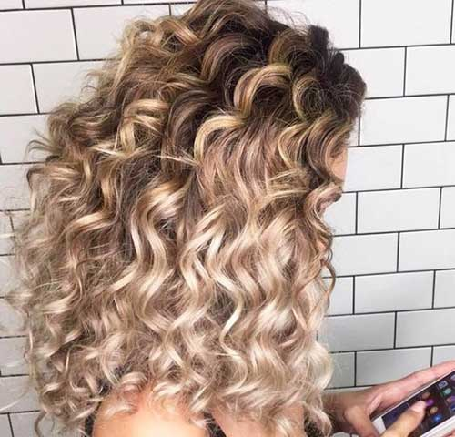 Curly Hairstyles for Women-21