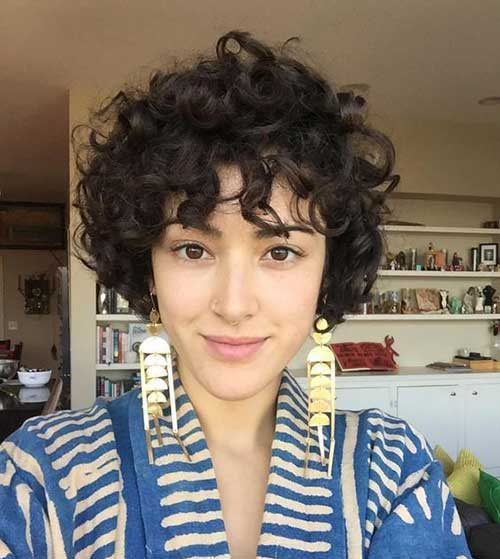 Curly Hairstyles for Women-32